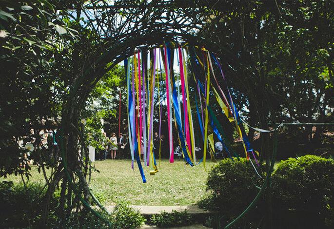 Hippie-Deko für die Hochzeit im Freien – Foto: Green Wedding Shoe
