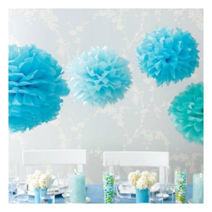 błękitne pompony na wesele