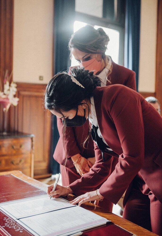 Registre de mariage signé en mairie