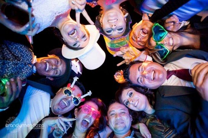 Tips para acomodar a los invitados en la mesa de tu boda - Foto Erandy Mendoza