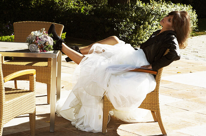 Difficile de répondre aux indiscrets qui demandent quand vous allez vous marier. Photo : Instantánea & Tomaprimera.