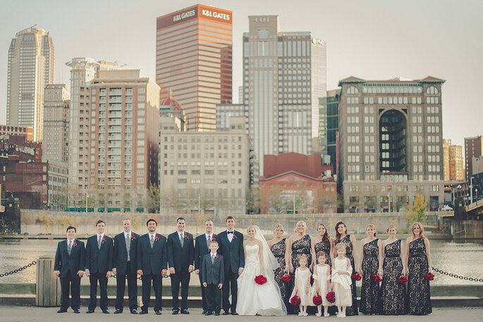 Boda en la ciudad. Foto: Lea Ann Belter Bridal - Sky's the Limit Photography