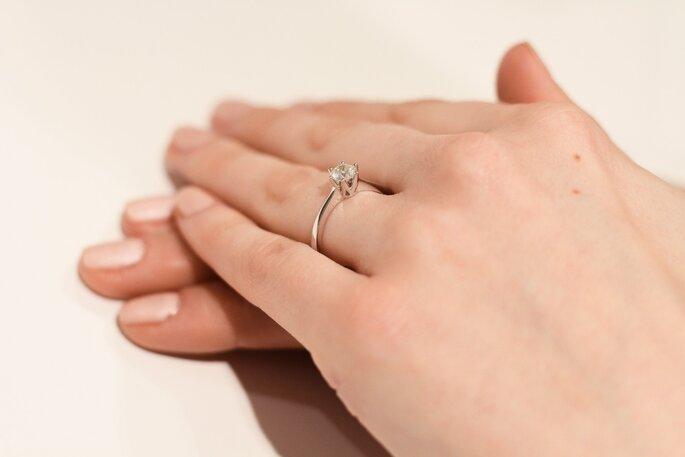 Verlobungsring welche hand deutschland