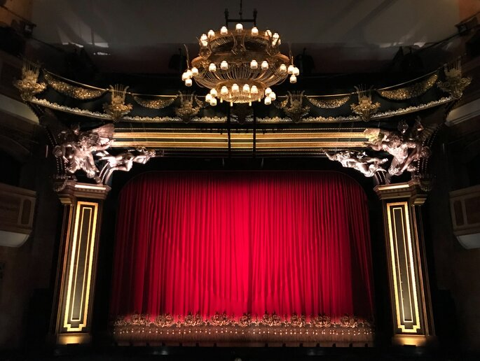 Kino Theather Bühne