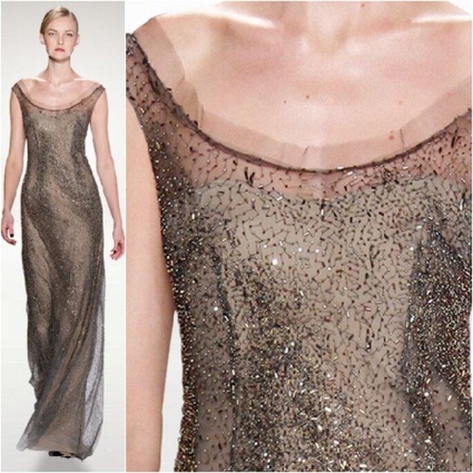 Vestido de noche bordado en degradé gris.