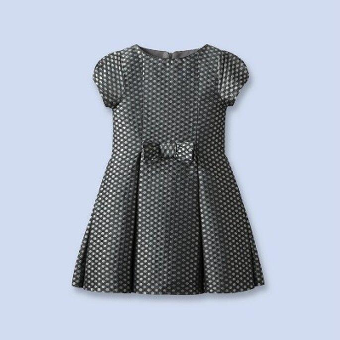 Petite fille d'honneur en beauté ! source : Jacadi 2012
