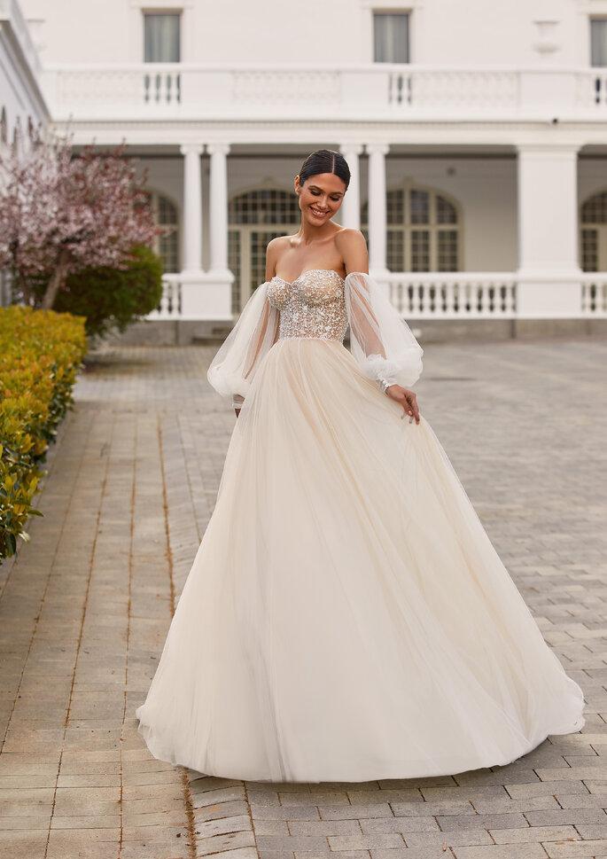 Pronovias Premiere 2021 Vestido de novia princesa con escote corazón y espalda descubierta
