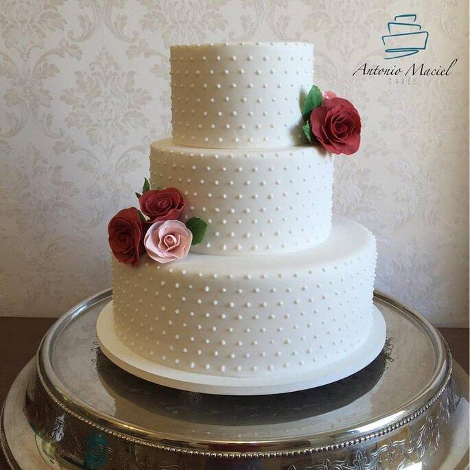 lindo bolo clássico para casamento