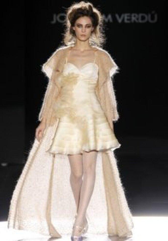 Joaquim Verdú 2011 - Vestido corto con abrigo largo