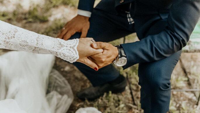 manos de pareja