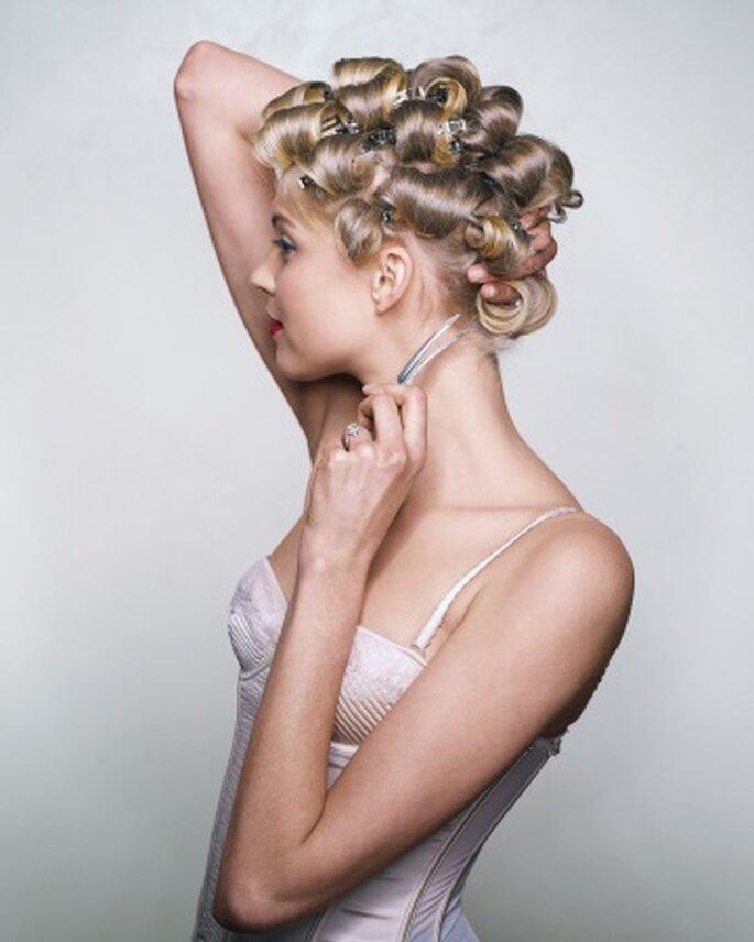 Peinado DIY de ondas retro - Foto Martha Stewart Weddings