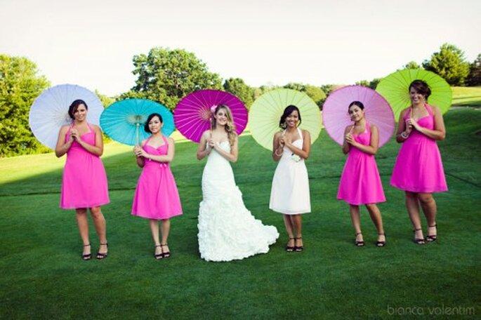La mejor amiga o hermana de la novia puede lucir un vestido de un color diferente para diferenciarla de las demás damas de honor. Foto: Bianca Valentim