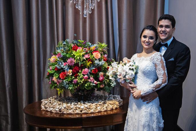 Decoração e flores: Flora Kato Eventos - Bem-casados: Jane Maria Doçaria Artesanal - Foto: Tardelli Photos