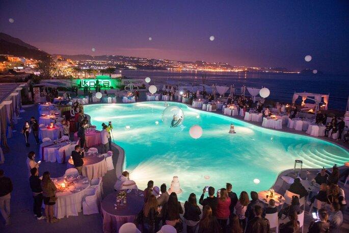 Kora Events - scenografia nottura piscina
