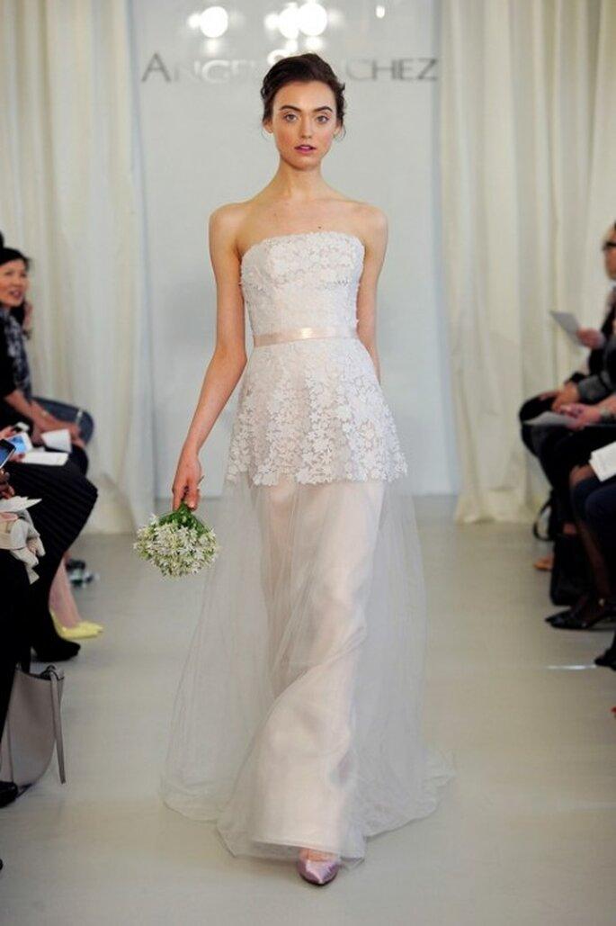 Vestido de novia 2014 con lazo en la cintura y bordados de encaje - Foto Ángel Sánchez
