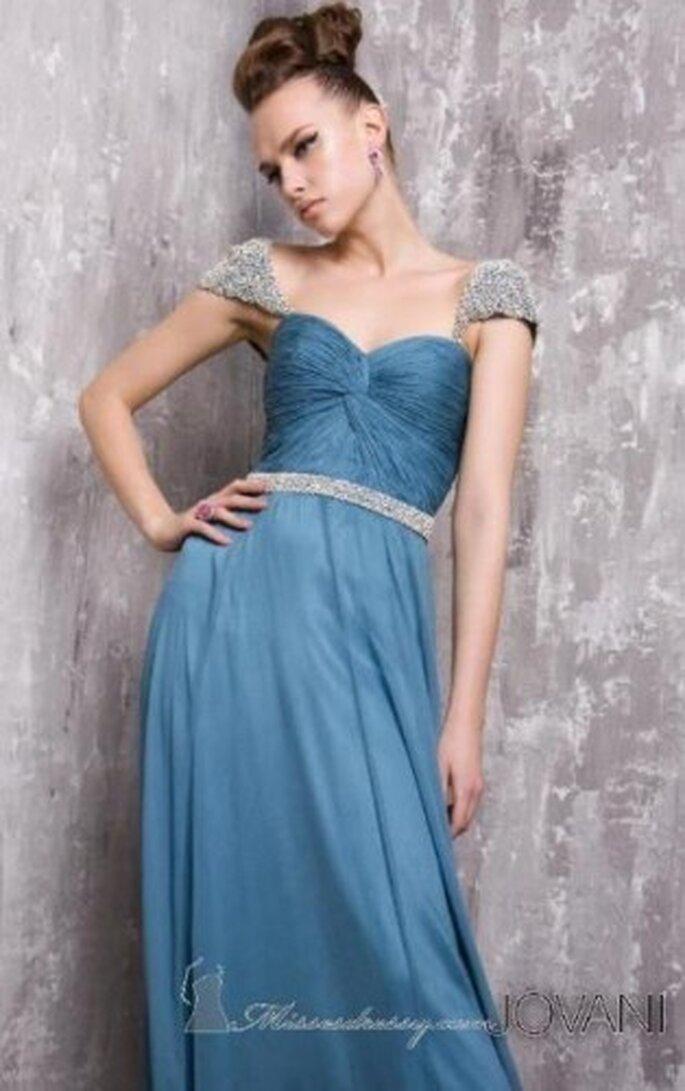 Vestido largo para fiesta color azul. Foto de Jovani Couture