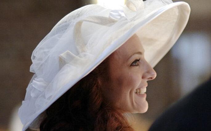 Avete mai pensato a un cappello come complemento per la sposa?
