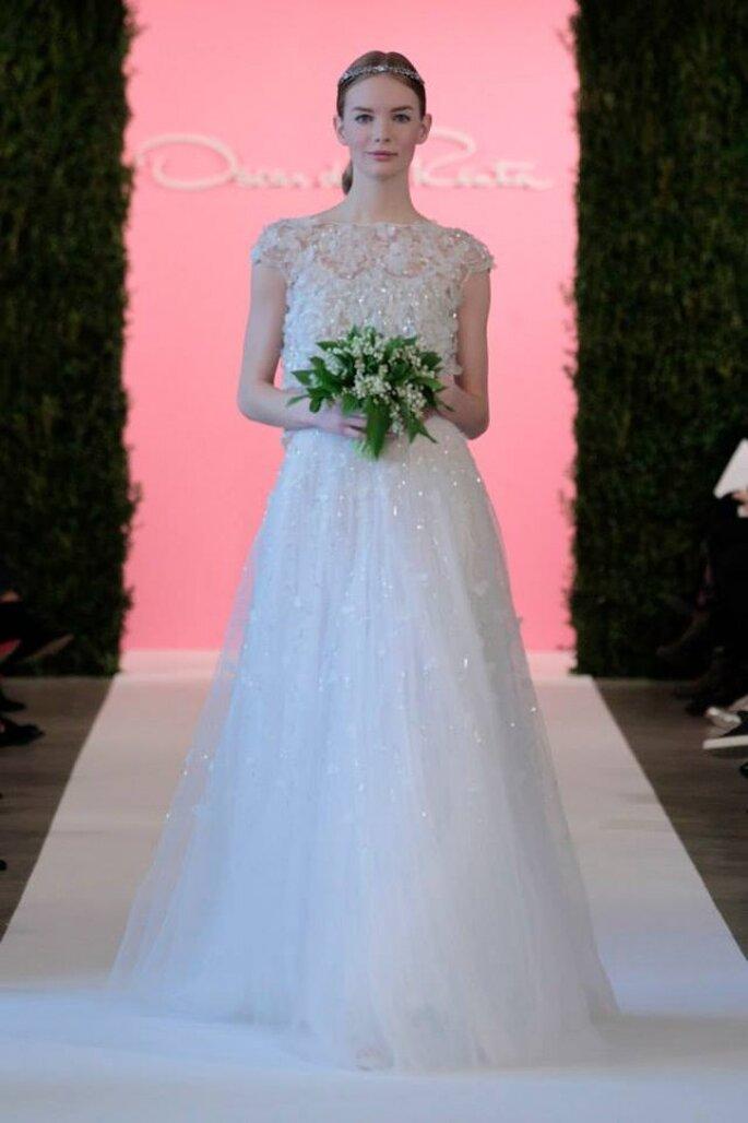 Vestido de novia con toques brillantes de Oscar de la Renta - Colección Primavera 2015. Foto: www.oscardelarenta.com