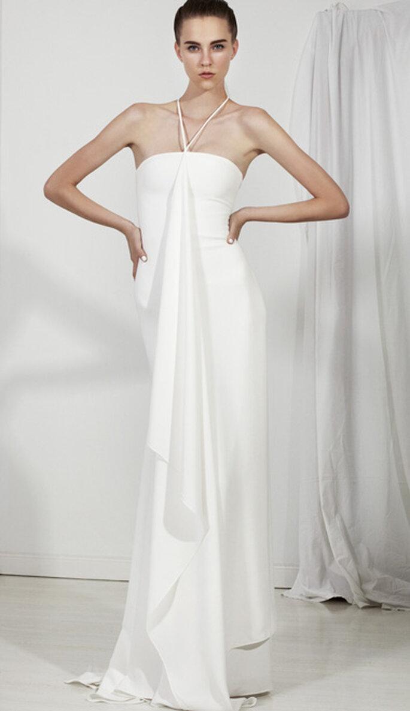 Vestido de novia largo con escote halter y relieve en la tela
