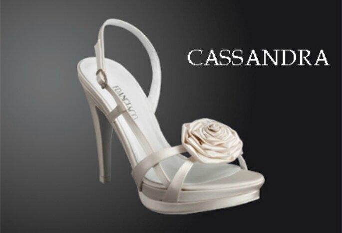 Uno dei modelli di scarpe da sposa in vendita presso Atelier Salem