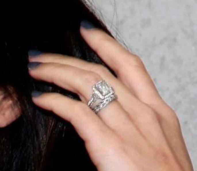 Anello di fidanzamento dell'attrice Megan Fox. Foto www.matrimonio.pourfemme.it