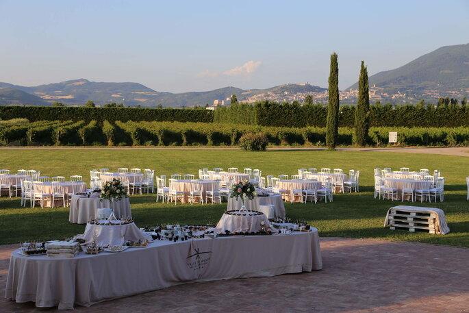 Hotel Spa & Golf Valle di Assisi - banchetto nuziale all'aperto
