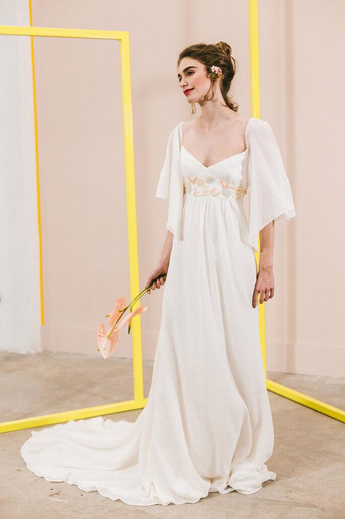 Vestido de novia dos piezas con chal