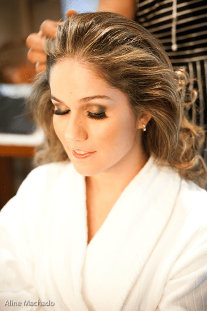 Attention cheveux laqués : ne pas oublier la brosse de secours - Photo : Aline Machado