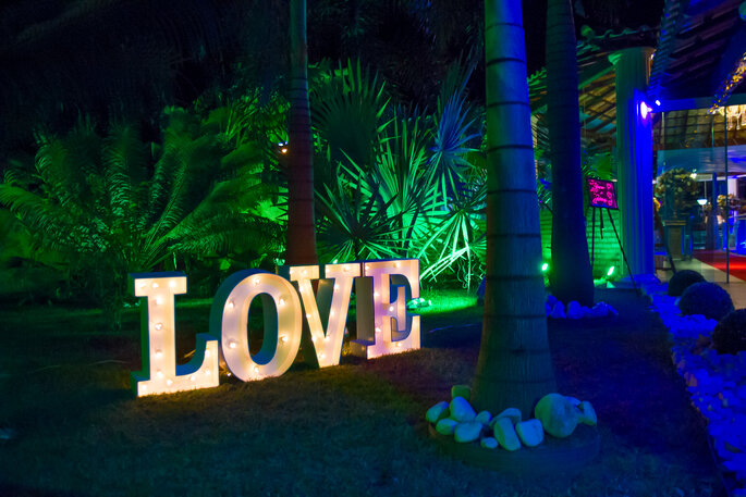 letreiro luminoso para casamento