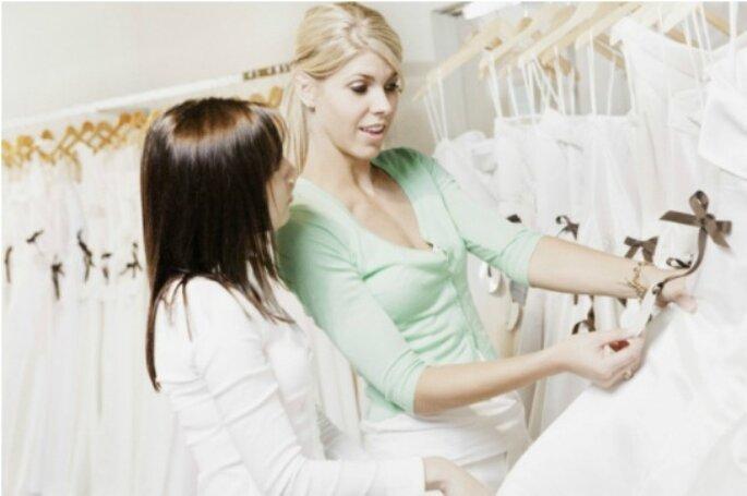 I nostri consigli per valorizzarvi al meglio il giorno del matrimonio e apparire più alte. Foto: Sposalicious.com
