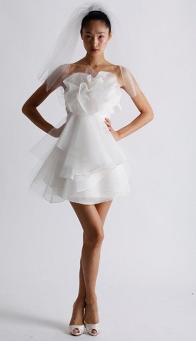 """Saber más sobre """"Vestido corto para la novia de otoño 2011"""" b33e24929320"""