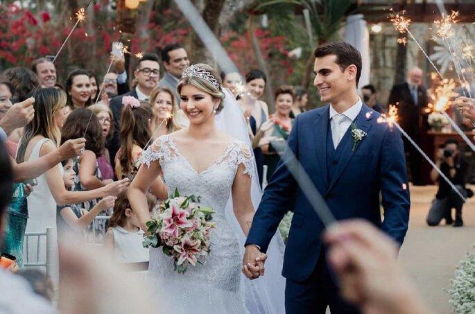 Linda noiva com vestido Lêda Noivas
