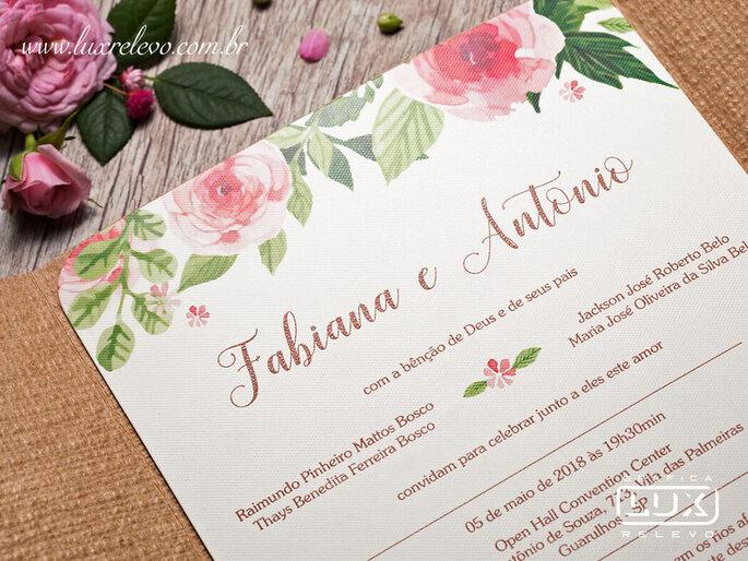 Convite com flores em aquarela