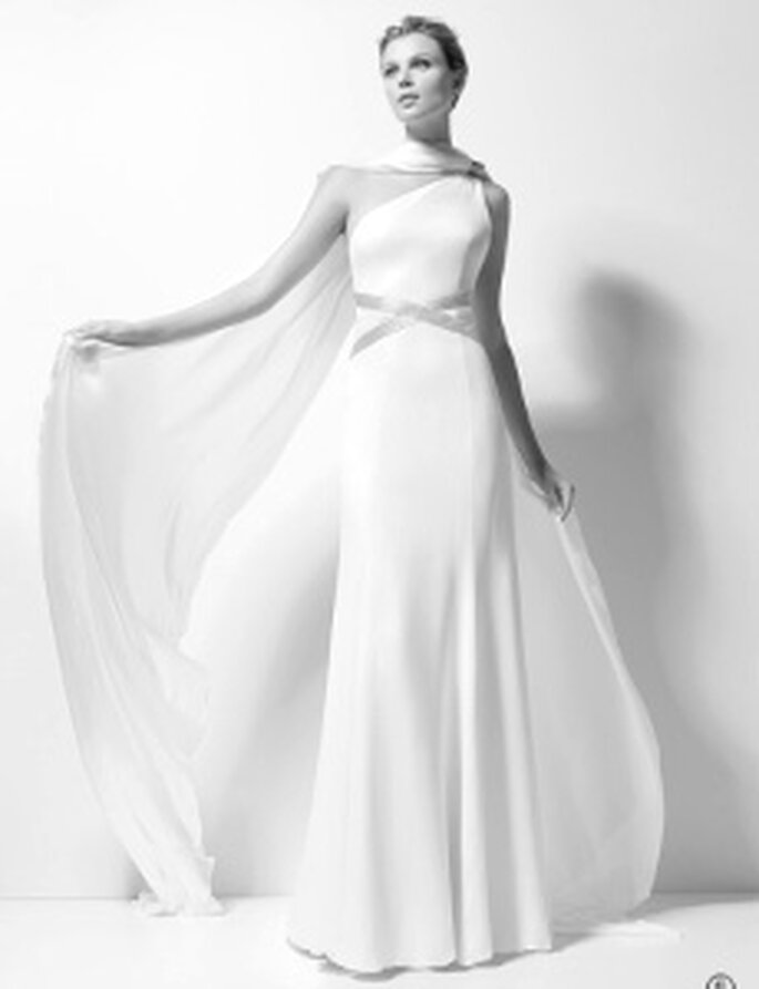 Karl Lagerfeld 2010 - Xenobia, Robe longue en soie, taille haute, ceinture croisée en soie, décolleté transversal