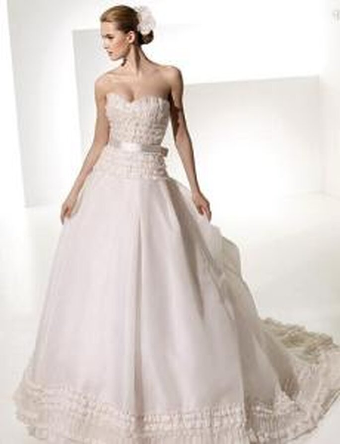 vestidos de novia con telas armadas manuel mota 2010