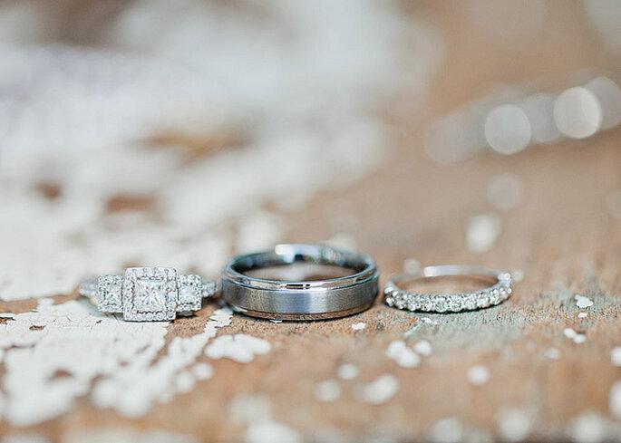 Anillos en platino con diamantes. Foto: Gabriel and Carin Photography