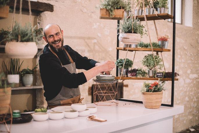 Atelier épices proposé par un traiteur pour un mariage