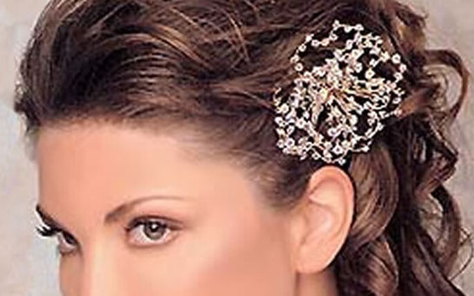 OK, so you've chosen your bridal hairstyle and now you want something extra