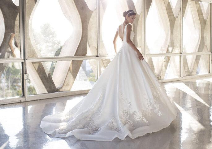 Robe de mariée princesse avec un dos nu
