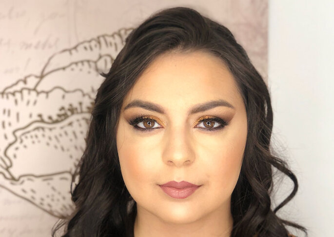 Adriana Mendes – Makeup Artist and Hair Stylist