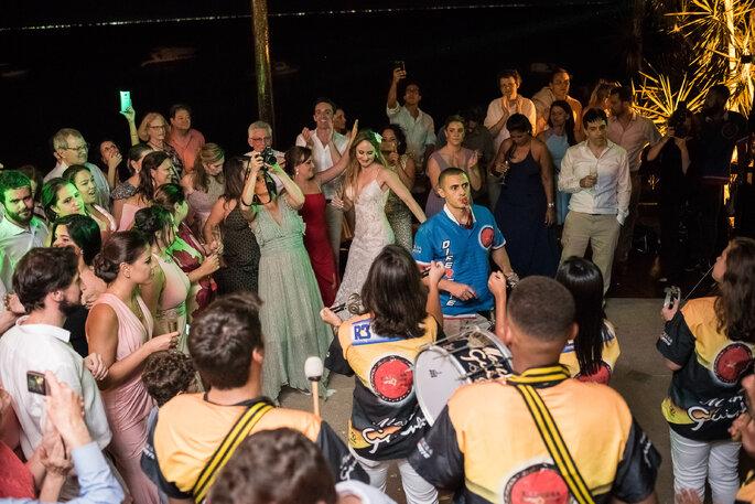 Escola de samba no casamento
