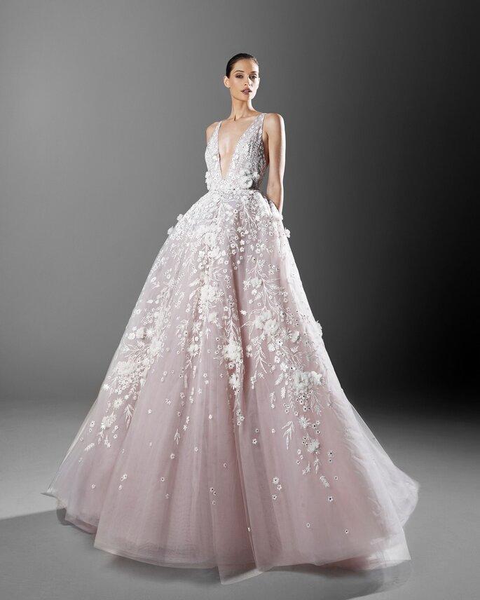 Vestido de novia Zuhari Murad tono rosa