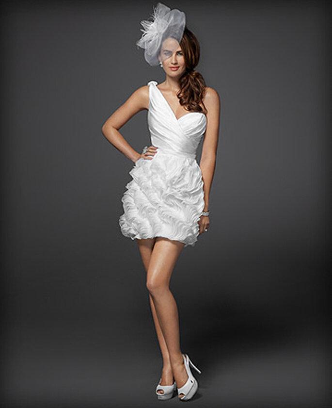 Vestido de novia corto para muejeres fashion - Foto: Colección Rami Kashou para Bebe