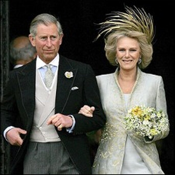 El príncipe Carlos y Camilla Parker-Bowles en 2005. El vestido lo diseñó Robinson Valentine
