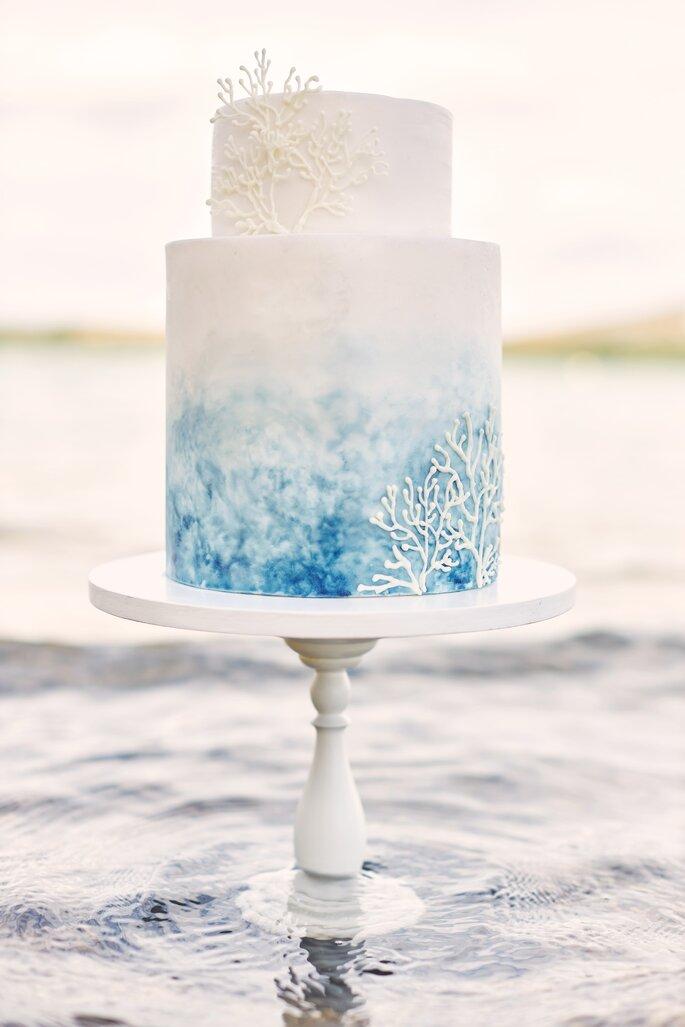 Under water Love Inspirationsshooting Hochzeit Torte