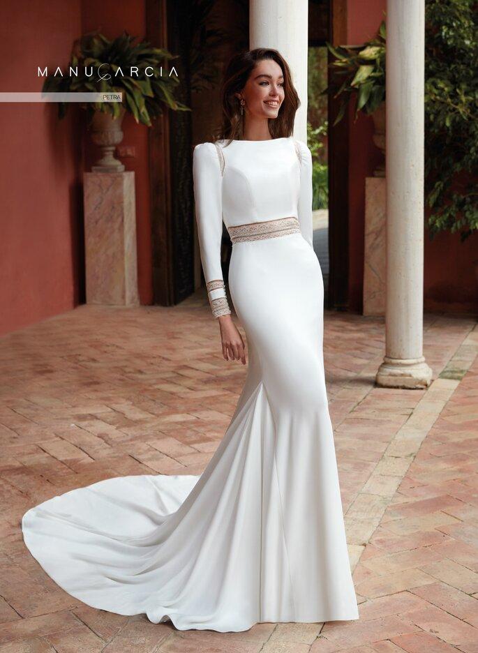 Robe de mariée crop top avec une traîne