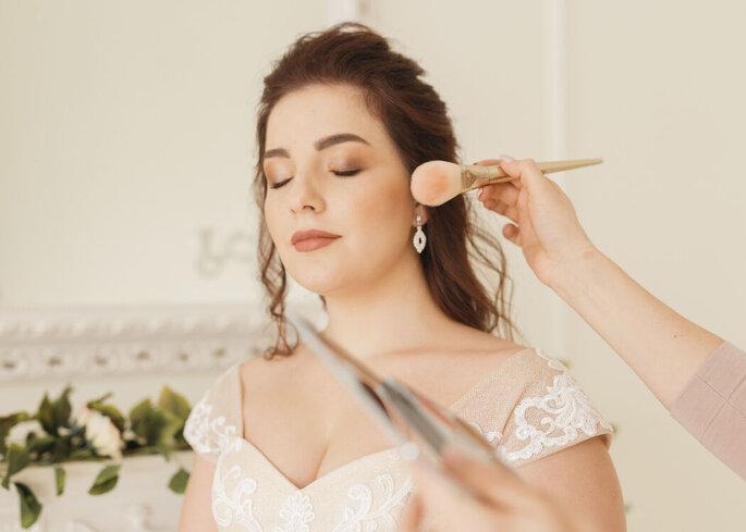 Maquiagem que respeita e exalta a beleza natural das noivas