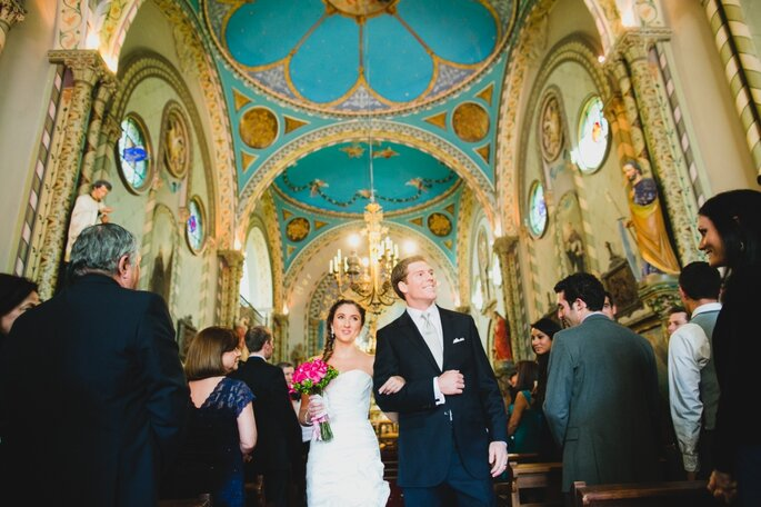 4c9325583c ¿Cómo elegir el vestido de novia ideal para el matrimonio religioso  Acá te  contamos las principales claves. guardar · Andrés Martínez