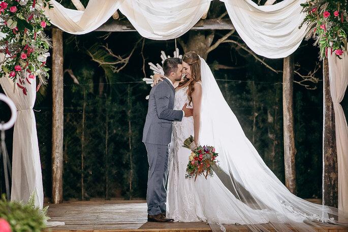 casal de noivos no casamento