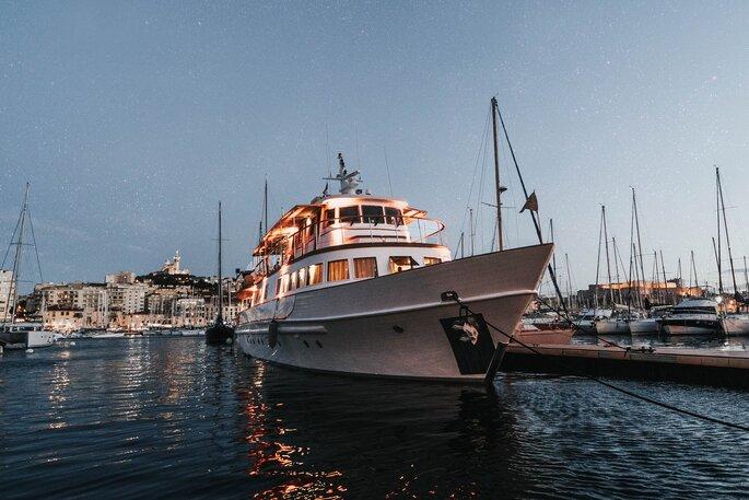 Yacht Clara One, lieu de réception à Marseille